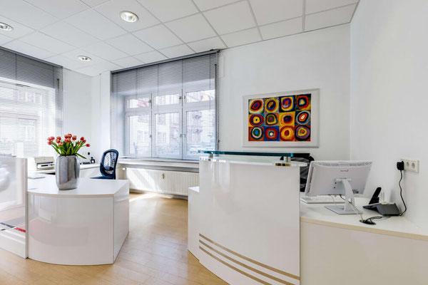 Empfang Zahnarztpraxis Helga Dönges Frankfurt