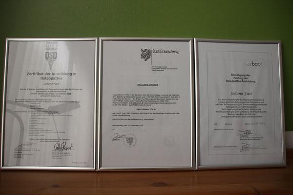 Ausbildungsnachweis in Osteopathie und Heilpraktiker.