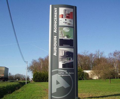Création et conception Totem lumineux  - Pour 44enseignes - Nantes