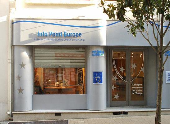 Habillage de façade - enseigne et décors adhésifs - Pour 44 enseignes - Nantes