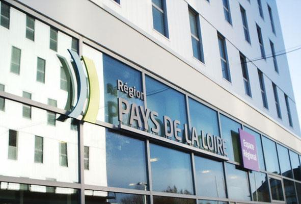 Réalisation des enseignes des agences Espace Régional de la Région Pays de Loire - pour 44 enseignes - Nantes