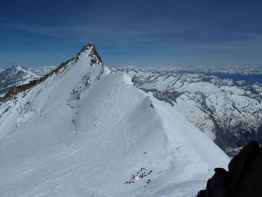 Blick aus dem Dufour-Couloir rüber zum Nordend, dem zweithöchsten Schweizer (4'609m)