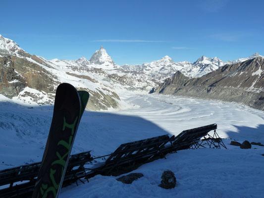 """""""It's done!"""" Runter gehts nun über den Gornergletscher nach Zermatt."""