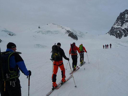 Aufstieg zum Adlerpass auf 3'789m