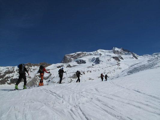Aufstieg zur Monte Rosa Hütte
