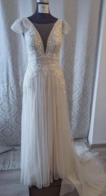 Brautkleid Änderung Nachher (Länge gekürzt, Oberteil angepasst und Ärmel aus Reststoffen hingezaubert)