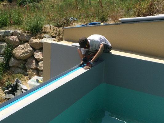 Soudure liner armé sur une piscine à débordement