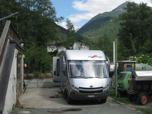 Loge auf dem Garageplatz in Müstair bei Hans und Sibylla