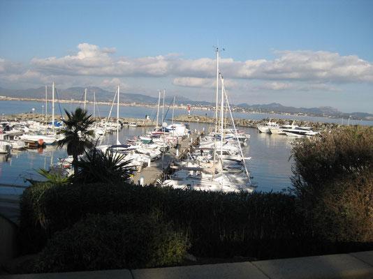 Am Hafen von St. Aygulf