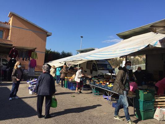 Besuch des kleinen Marktes