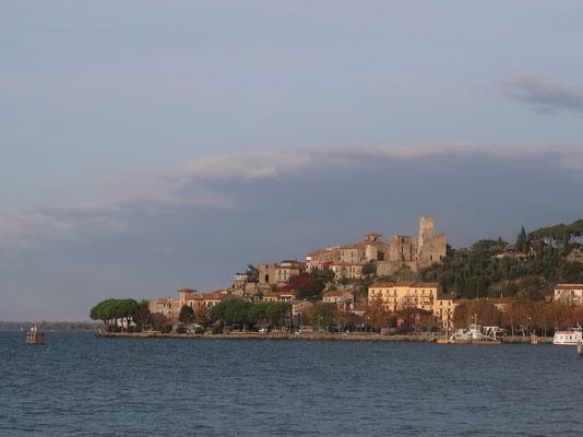Blick nach Passignano Sul Trasimeno