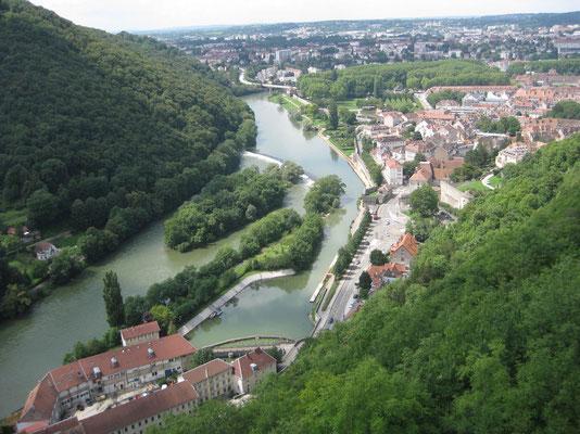 Die Schleife des Doubs durch Besançon