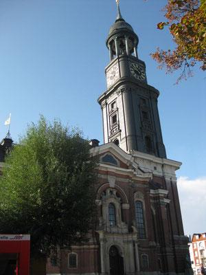 Das Wahrzeichen Hamburgs, die Michaelis-Kirche