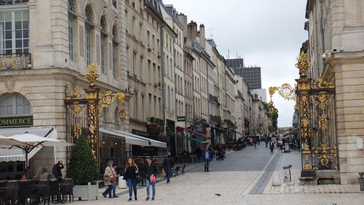 Prunkvolle Einkaufsstrasse in Nancy