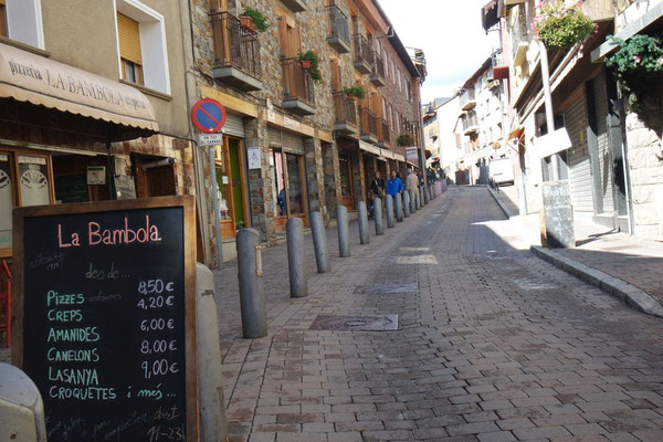 In der Hauptgasse in Llivia