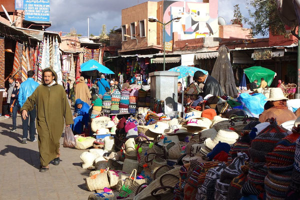 Momentaufnahme am Place des épices in der Medina