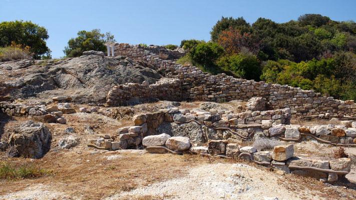 durch die Überreste der antiken Stadt