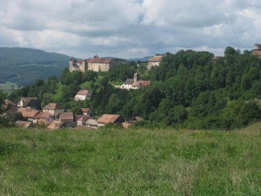 Unser Ausblick zum Chateau Belvoir