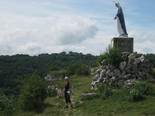 Die Beschützerin wacht über den Felsen