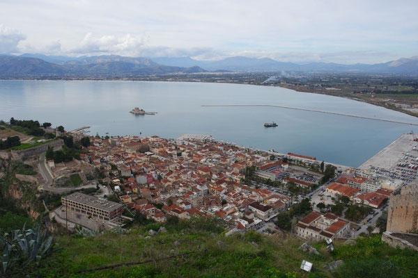 Super-Ausblick auf Stadt und Meer