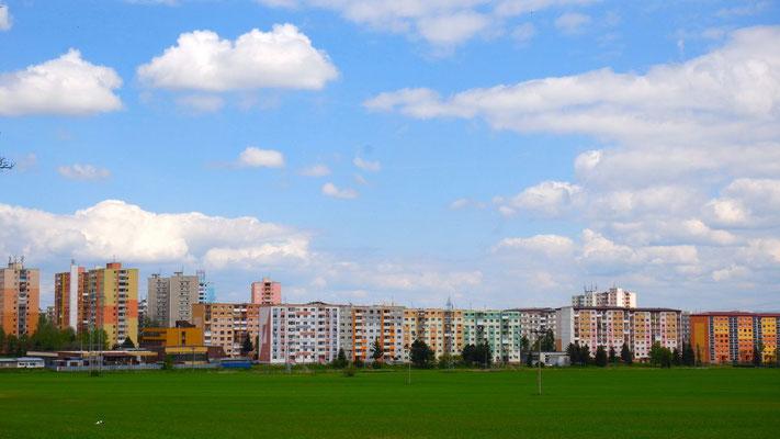 Farbenfrohe Häuserpracht der Stadt Poprad in der Slowakei