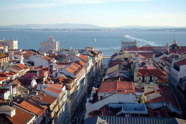Genussvoller Ausblick auf die Stadt und den Tejo