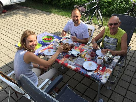 Wiedersehensfreude in Waldshut mit Sohnemann Manuel und seinem Schatz Antonia!