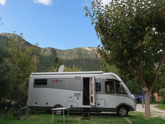..... und schon auf dem überaus sympathischen Camping bei Leonidio