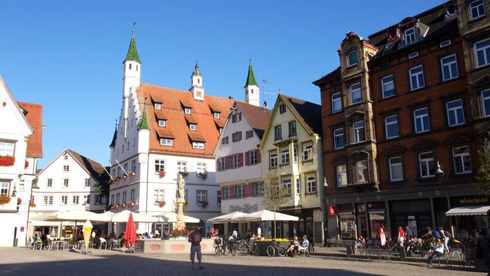 Der Pflichtbesuch in Aulendorf führt uns auf dem Rückweg über Biberach