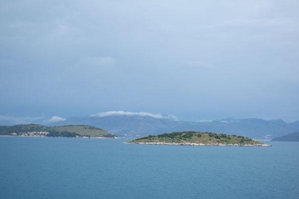 Die vorgelagerten Inselchen vor Igoumenitsa