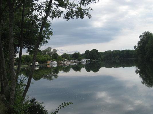 Der idyllische Stellplatz an der Yonne