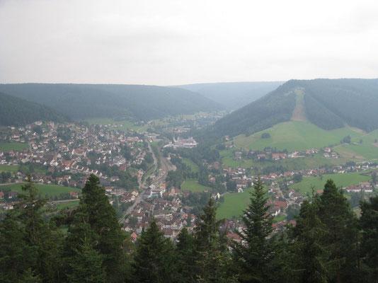 Baiersbronn von oben - die Satteleihütte ruft