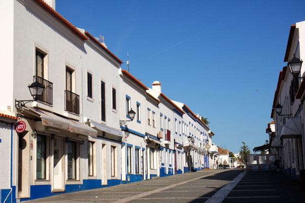 Im schmucken Hafenort Porto Covo