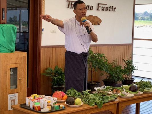 Von Thant Zin unserem Reiseleiter hören wir Interessantes über burmesische Früchte, Gemüse und Medizin
