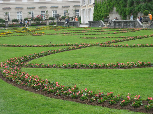 Blumenpracht im Mirabellgarten