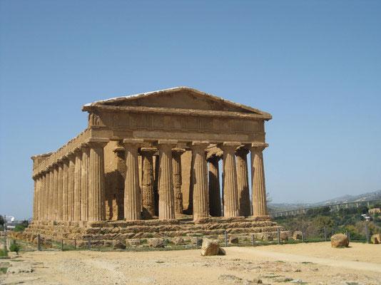 Der (best erhaltene) Concordia Tempel im Valle dei templi