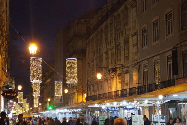 """Weihnachtliche """"Bahnhofstrasse"""""""