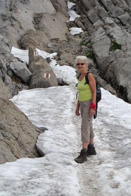 Übers Schneefeld, unterhalb vom Säntis