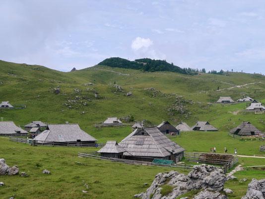 Einige der Hirtenhütten stehen auch für Ferienzwecke zur Verfügung