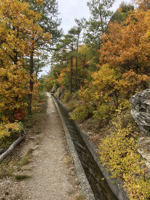 Wandern entlang den Bissen, auch Suonen genannt