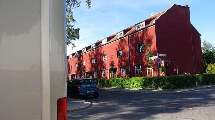 Unser Heim in  Berlin-Britz, die Wohnsiedlung gehört der UNESCO-Welterbeliste an