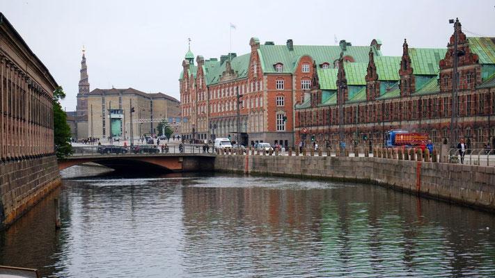 Per Pedes durch Kopenhagen, das sich heute leider in Grau kleidet