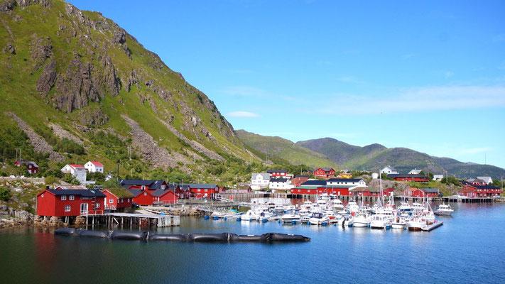 Der Hafenort Ballstad
