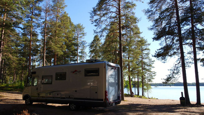 In Finnlands Wildnis - irgendein See ist immer in der Nähe