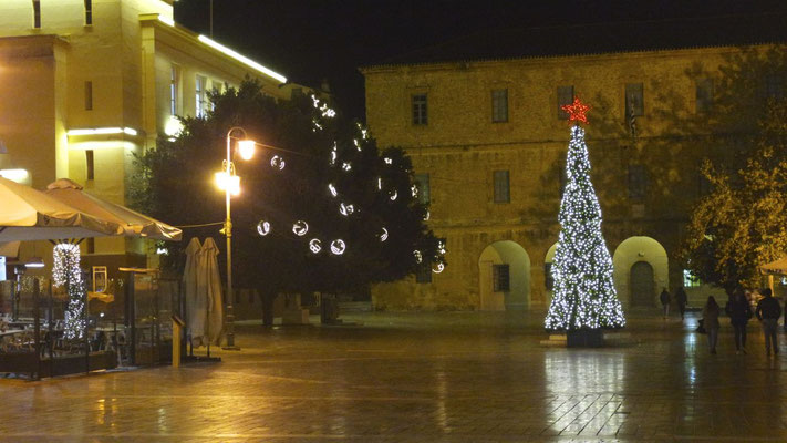 Weihnachtlicher Hauptplatz in der Altstadt