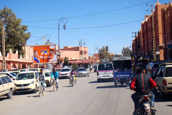 Verkehrs-Tohuwahobu in Boumalne Dadès