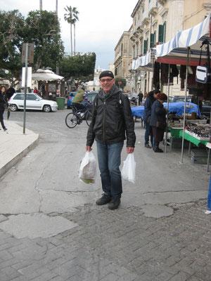 """Markteinkauf oder """"ich bin auch ein Lastesel"""" meint der Chauffeur"""