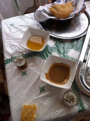 Degustation bei Hadna in der Cooperative Féminine Mogador in Ounagha