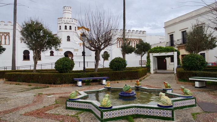 Das historische Kunstwerk an der Plaza de Santa Maria in seiner ganzen Grösse