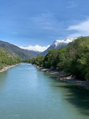 Über die Brücke der Rotten/Rhône zurück nach Raron